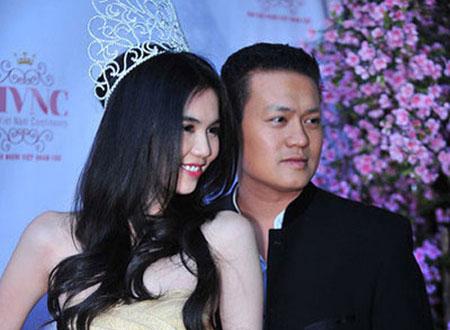 Phan Minh Chánh bên cạnh Ngọc Trinh - Hoa hậu người Việt Hoàn cầu.
