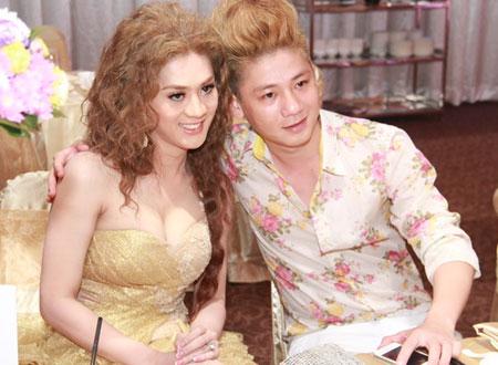 Lâm Chí Khanh và chồng sắp cưới.